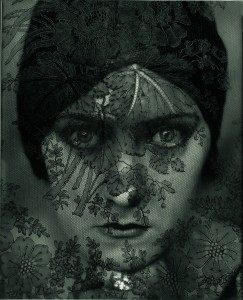 Edward Steichen, Gloria Swanson, 1924 © 1924 Condé Nast Publications, New York