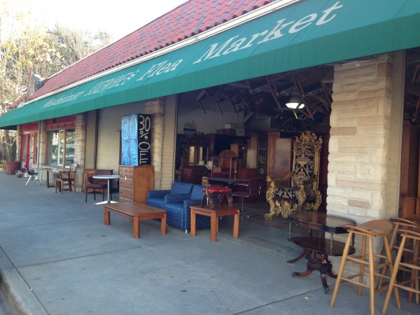 Collecting Antiques: Antique Market in Houston