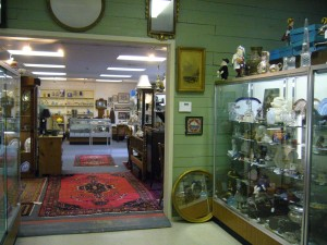 Essex-Saybrook Antiques Village