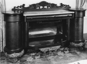 Hermitage sideboard before conservation. The earliest known photo of the sideboard is from the late 1800s