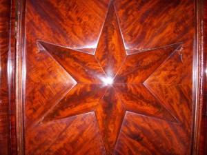 Star pattern on Hermiatage sideboard